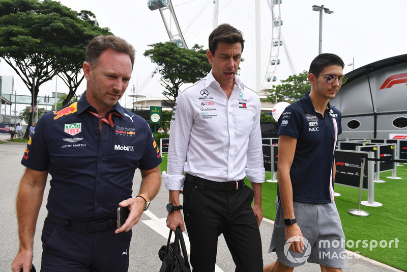 Christian Horner, Red Bull Racing Team Principal, Toto Wolff, Mercedes AMG F1 Director y Esteban Ocon, Racing Point Force India F1 Team