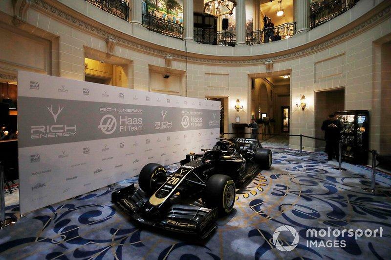 El Haas F1 Team VF-18 con la decoración 2019