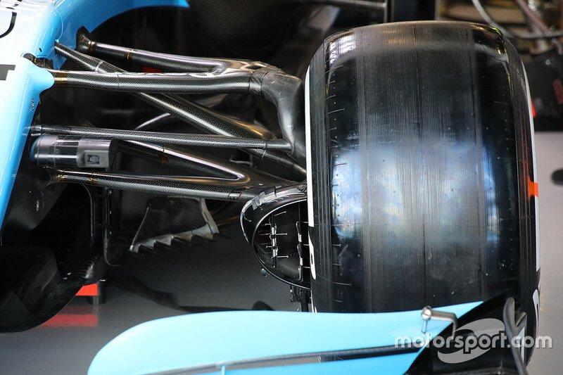 Williams Racing FW42 front süspansiyon detayı