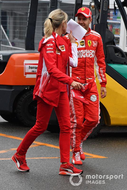 Sebastian Vettel, Ferrari con la sua addetta stampa Britta Roeske