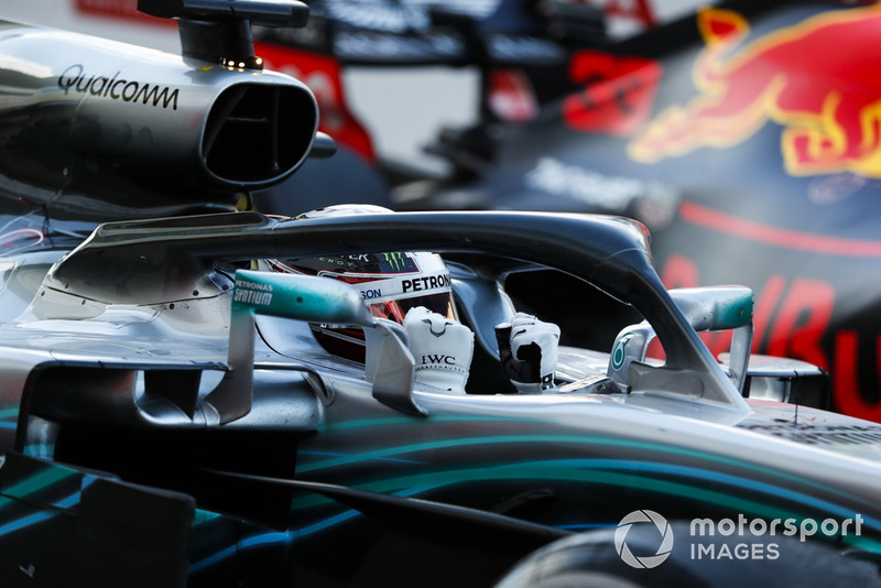 Com extrema tranquilidade, Lewis Hamilton venceu o quarto GP consecutivo e aumentou a diferença no campeonato para Vettel: 331 a 264.