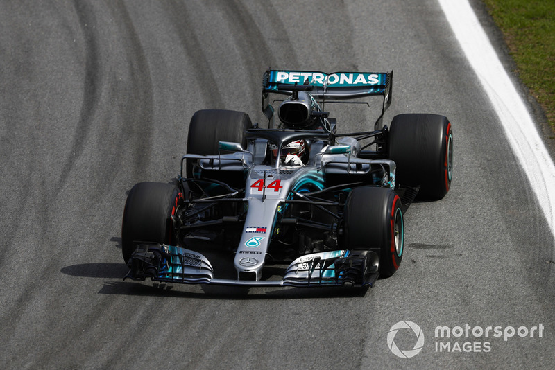 Hamilton en Mercedes vieren het constructeurskampioenschap