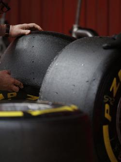 On travaille sur des pneus Pirelli