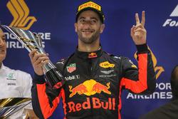 Podium: segundo, Daniel Ricciardo, Red Bull Racing
