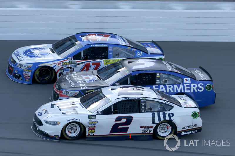 Brad Keselowski, Team Penske Ford Kasey Kahne, Hendrick Motorsports Chevrolet A.J. Allmendinger, JTG Daugherty Racing Chevrolet