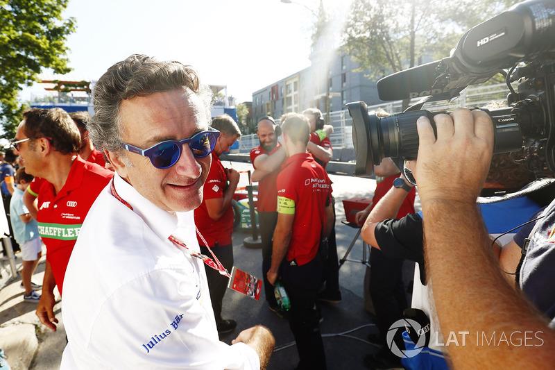 Alejandro Agag, Fórmula E CEO, felicita al equipo Abt Audi team
