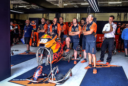 Box: Red Bull KTM Factory Racing