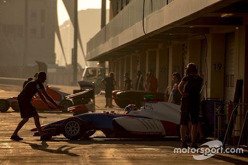 Essais de novembre à Abu Dhabi