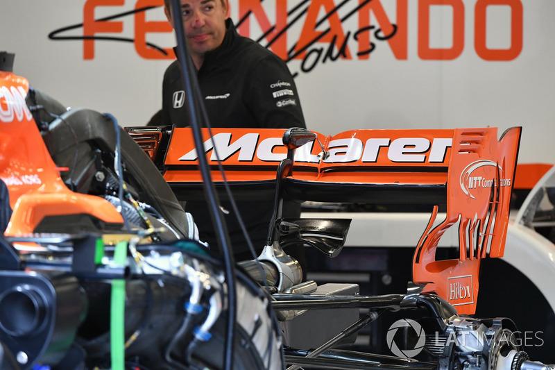 McLaren MCL32: Hecklfügel