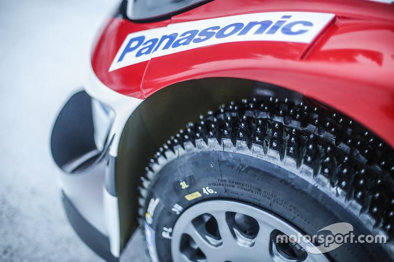 Neumáticos de nieve tachonados