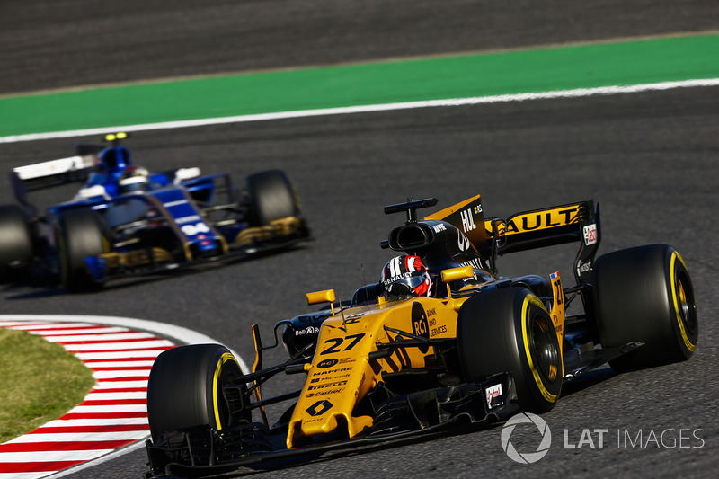 Nico Hulkenberg, Renault Sport F1 Team RS17, Pascal Wehrlein, Sauber C36