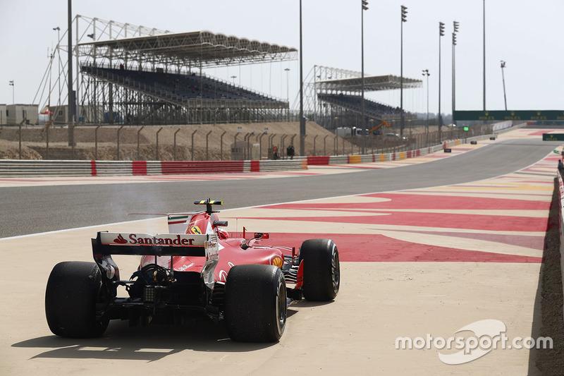 Кімі Райкконен, Ferrari SF70H, зупинився на треку