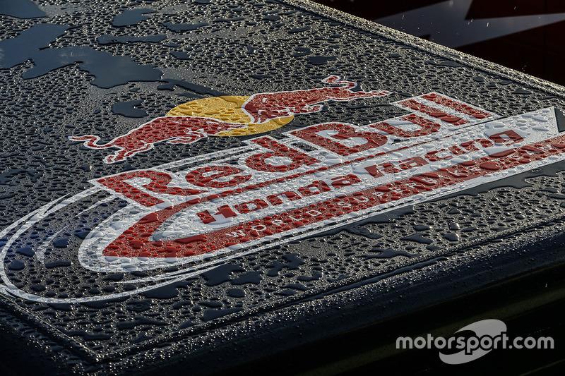 Renntransporter: Red Bull Honda World Superbike Team