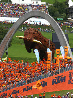 KTM-Tribüne am Red-Bull-Ring in Spielberg