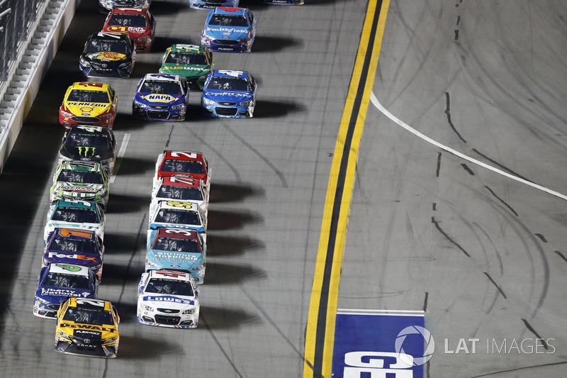 Matt Kenseth, Joe Gibbs Racing Toyota Jimmie Johnson, Hendrick Motorsports Chevrolet