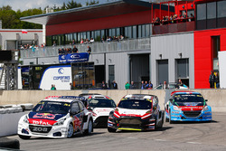 Timmy Hansen, Team Peugeot Hansen, Timo Scheider; MJP Racing Team Austria, Ford Fiesta ST