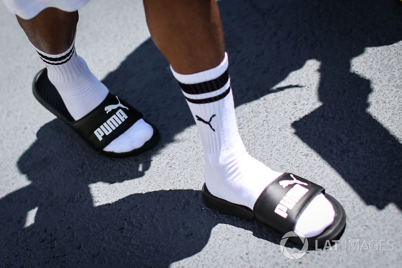 Lewis hamilton mercedes amg f1 socks and sandals gp do for Mercedes benz socks