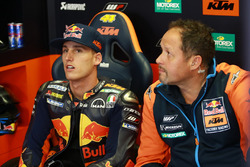 Pol Espargaro, Red Bull KTM Factory Racing, et Paul Trevathan
