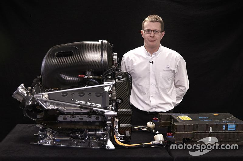 Andy Cowell con el Mercedes AMG F1 W06 Mercedes PU106-Type Hybrid