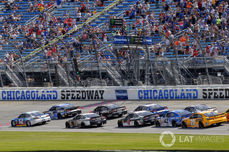 Ryan Blaney, Team Penske, Ford Fusion PPG and Ryan Newman, Richard Childress Racing, Chevrolet Camaro