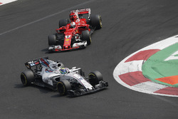 Felipe Massa, Williams FW40 and Sebastian Vettel, Ferrari SF70H battle