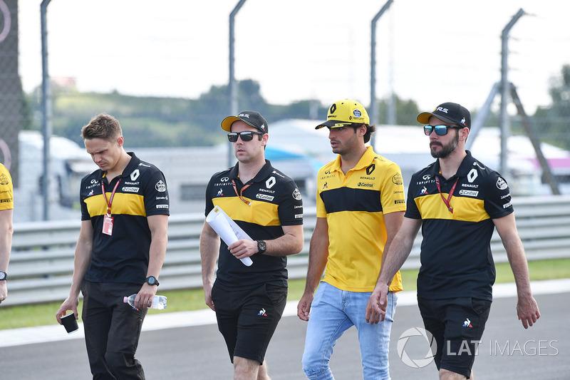 Carlos Sainz Jr., Renault Sport F1 Team mengitari trek