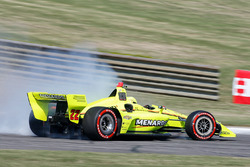 Simon Pagenaud, Team Penske Chevrolet spins
