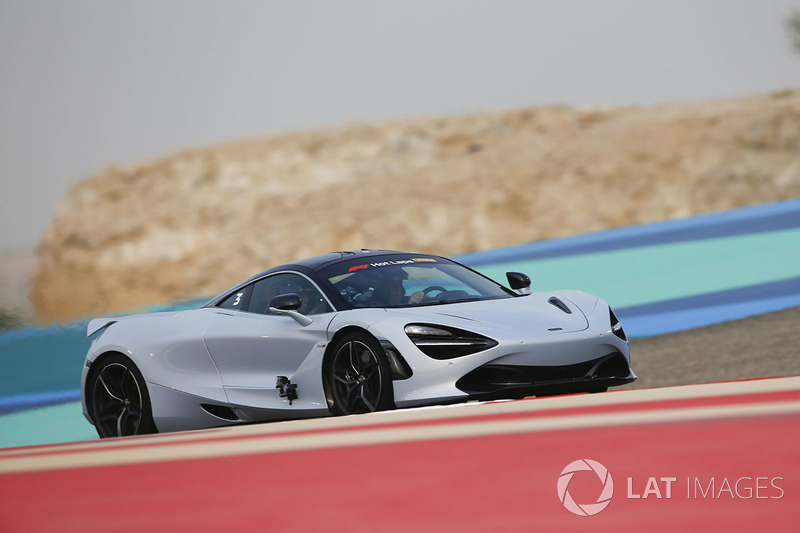 Pirelli hot laps con Zak Brown, Director Ejecutivo, McLaren Technology Group