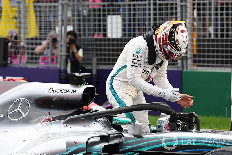 Formula 1 Qualifying report Australian GP: Hamilton storms to pole as Bottas crashes