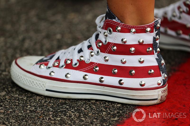 Estrella y barras zapatos converse