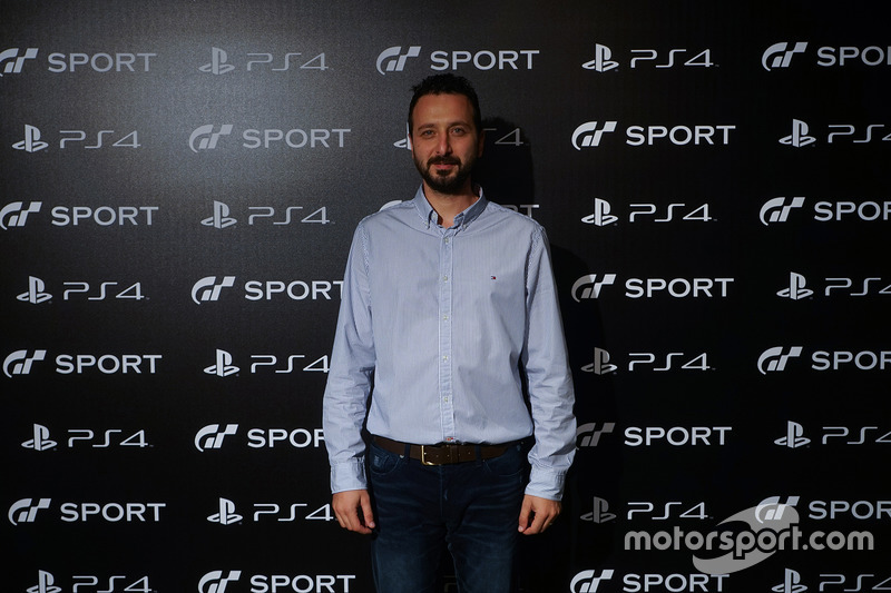 Mustafa Yiğit, Sony