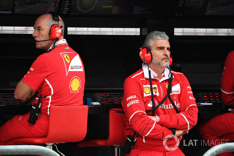 Jock Clear, Chief Engineer Ferrari e Maurizio Arrivabene, Team Principal Ferrari