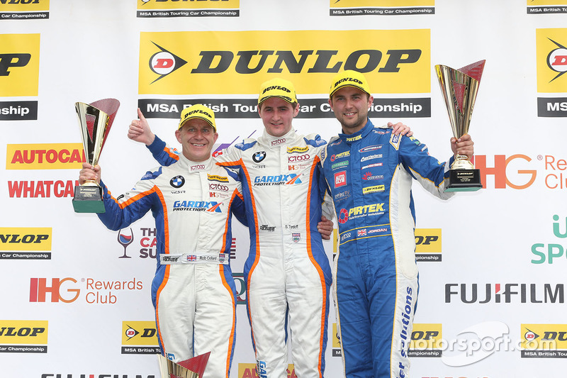 Podium: race winner Sam Tordoff, Team JCT1600 With Gardx, second place Andrew Jordan, Motorbase Perf