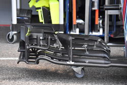Williams FW41 ön kanat detay