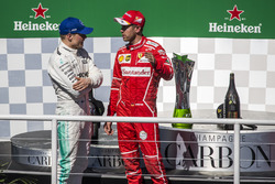 Podyum: Yarış galibi Sebastian Vettel, Ferrari, 2. Valtteri Bottas, Mercedes AMG F1