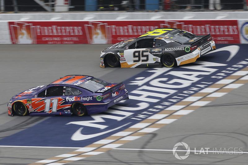 Denny Hamlin, Joe Gibbs Racing, Toyota Camry FedEx Freight Kasey Kahne, Leavine Family Racing, Chevrolet