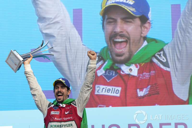16: Lucas di Grassi - Formula E ikincisi, Stock Car Brasil yarış galibi