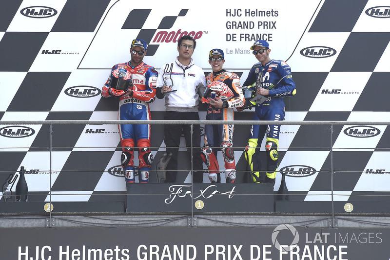 Podium: 1º Marc Márquez, 2º Danilo Petrucci, 3º Valentino Rossi