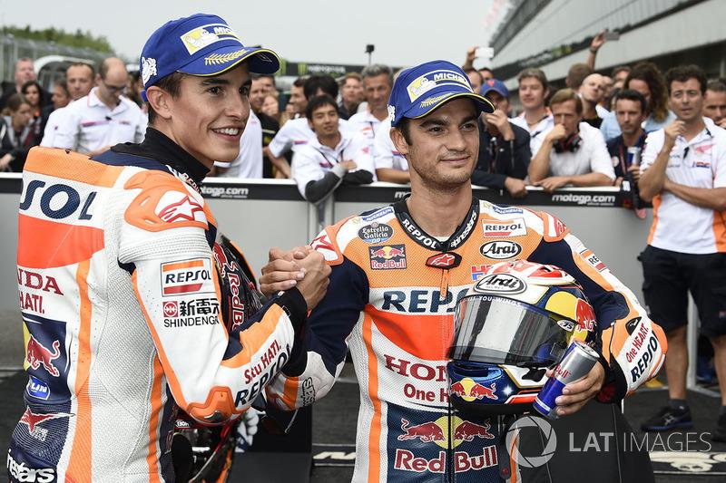 Переможець гонки Марк Маркес, Repsol Honda Team, друге місце Дані Педроса, Repsol Honda Team