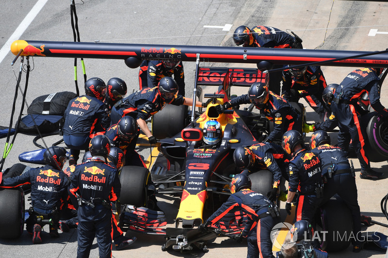 Boxenstopp: Daniel Ricciardo, Red Bull Racing RB13