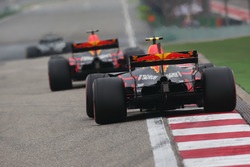 Даниэль Риккардо, Red Bull Racing RB13, и Макс Ферстаппен, Red Bull Racing RB13