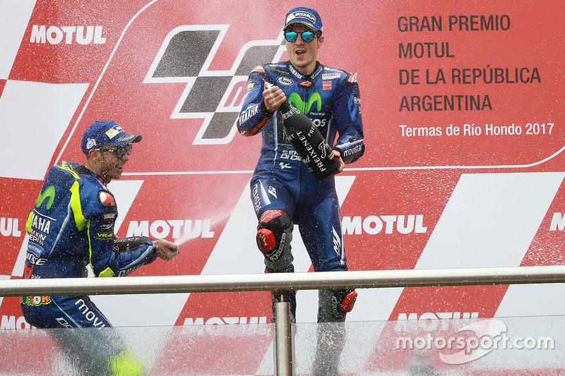 Podium: 2. Valentino Rossi, Yamaha Factory Racing; 1. Maverick Viñales, Yamaha Factory Racing