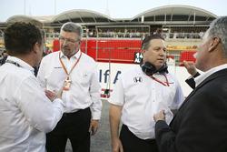 Управляющий директор Motor Sports Росс Браун и исполнительный директор McLaren Technology Group Зак Браун