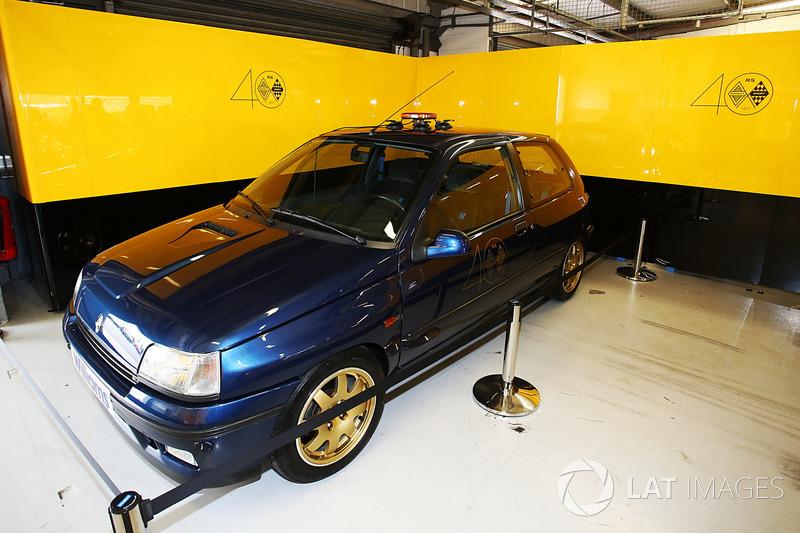 Renault Sport F1 Team F1 Historic Clio Williams