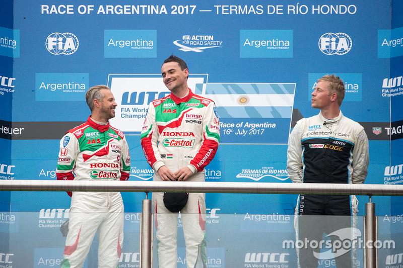 Podium: 1. Norbert Michelisz, Honda Racing Team JAS; 2. Tiago Monteiro, Honda Racing Team JAS; 3. Thed Björk, Polestar Cyan Racing