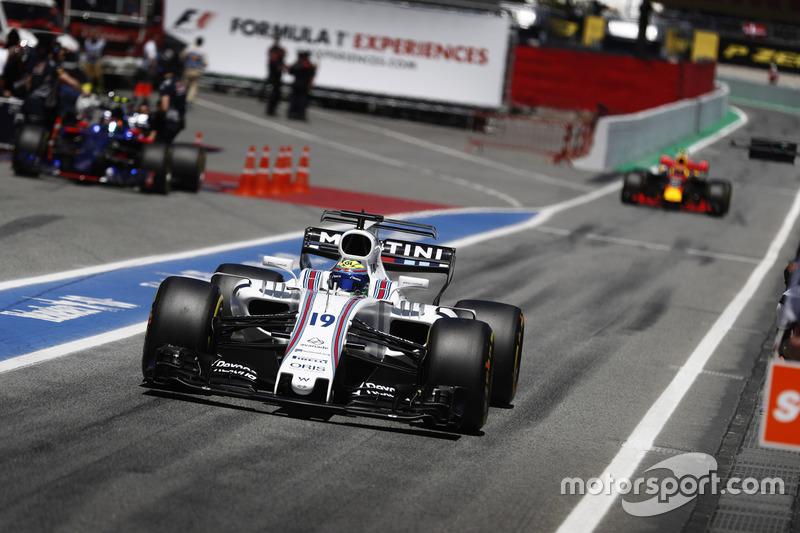 Felipe Massa, Williams FW40, Max Verstappen, Red Bull Racing RB13, into the pits