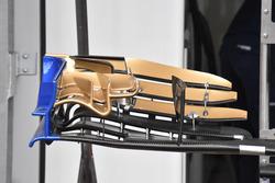 تفاصيل الجناح الأمامي لسيارة ساوبر