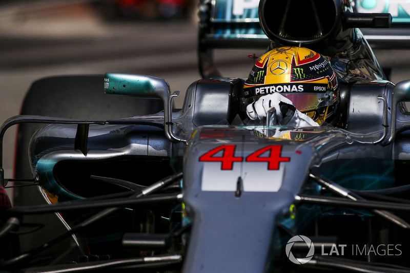 Lewis Hamilton, Mercedes AMG (7º), criticó a Ferrari...