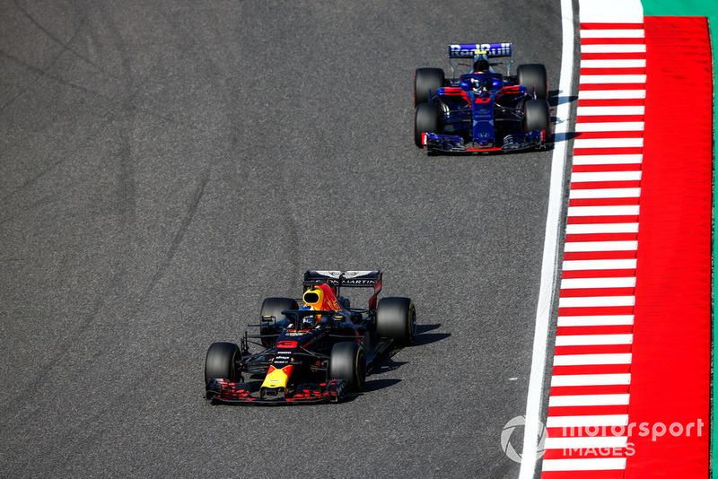 Даніель Ріккардо, Red Bull Racing RB14, П'єр Гаслі, Scuderia Toro Rosso STR13