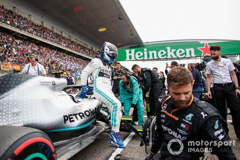 Valtteri Bottas, Mercedes AMG F1, arrives on the grid